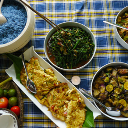 A feast for the eyes - freshly cooked native dishes using jungle greens